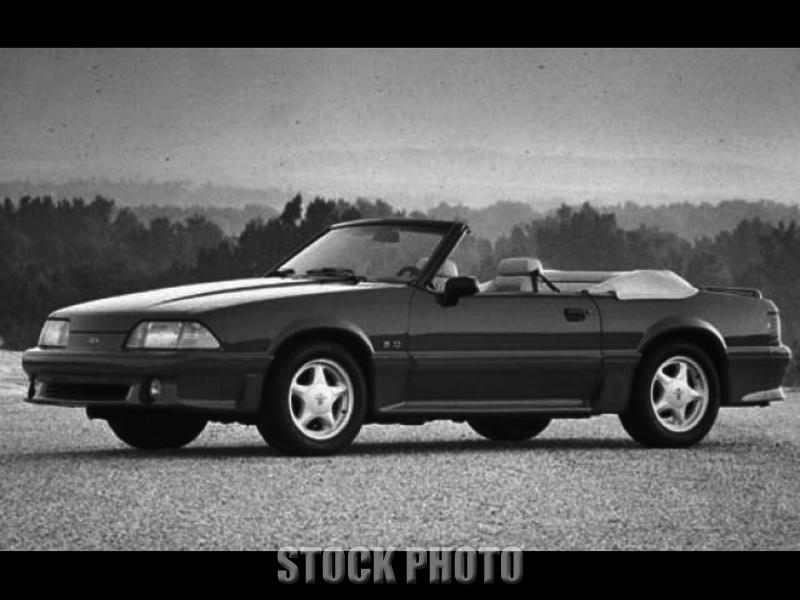 1993 Ford Mustang GT Convertible 2-Door 5.0L