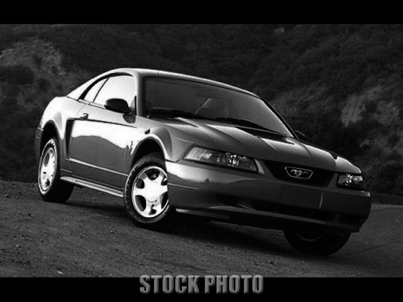 Used 2001 Ford Mustang 2dr Cpe