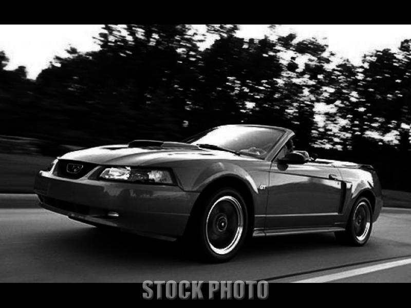 Used 2001 Ford Mustang 2dr Convertible