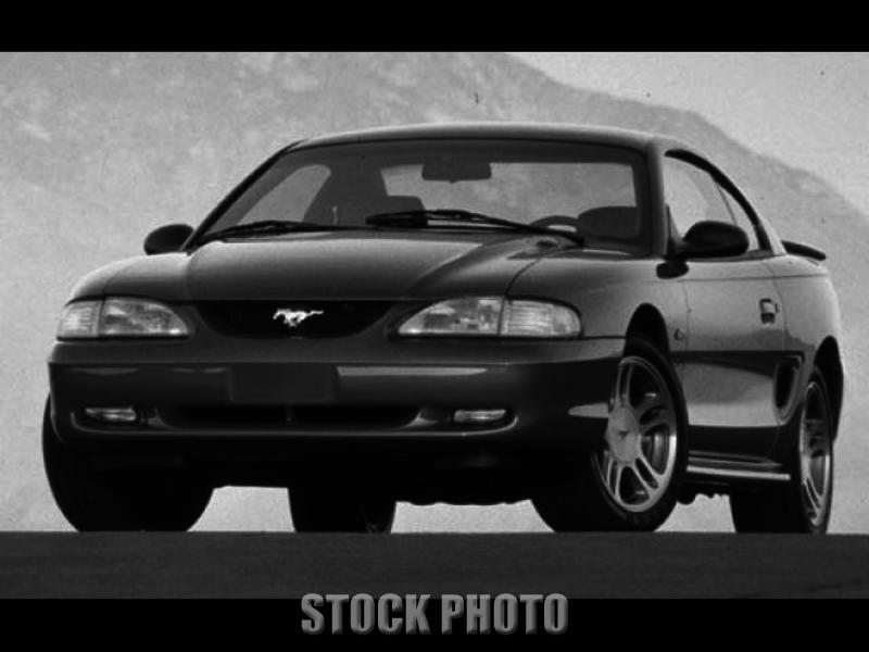 Nice 1997 Ford Mustang Base Coupe 2-Door 3.8L 5 Speed