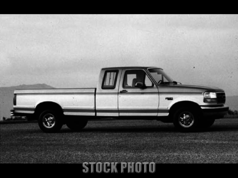 1993 Ford Truck with Tommy Lift