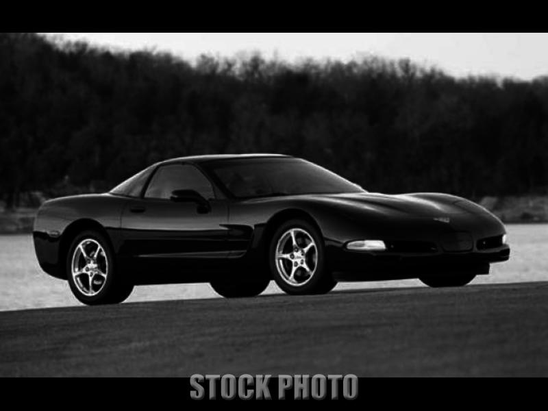 Plainview New York 2004 Silver Corvette