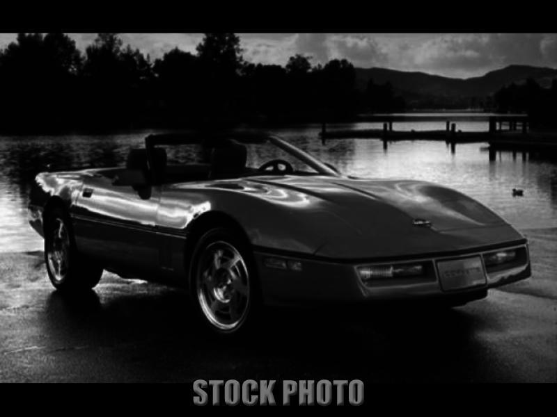 Des Moines Iowa 1990 White Corvette