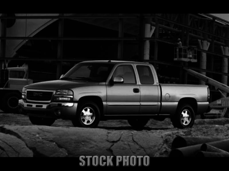 Used 2005 GMC Sierra 2500HD Work Truck Ext. Cab Short Bed 4WD