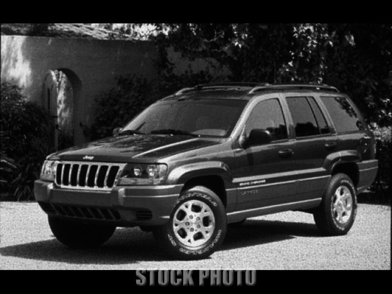 4dr Laredo SUV Automatic Gasoline Deep Slate Pearl