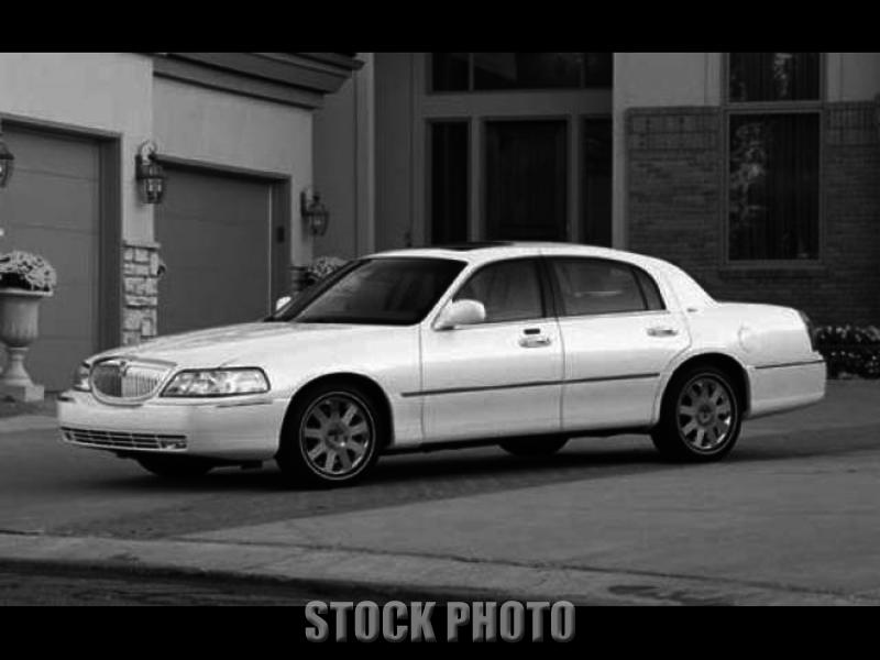 Used 2003 Lincoln Town Car 4dr Sdn Signature