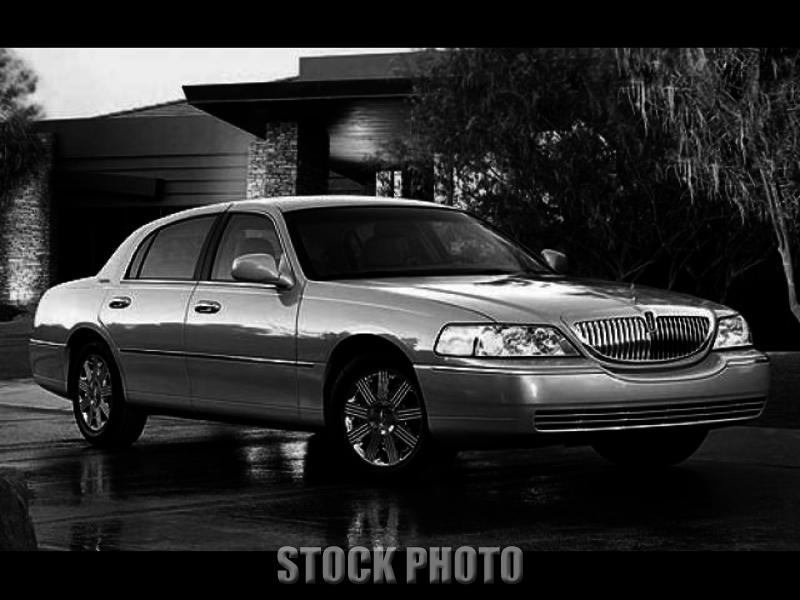 Used 2005 LINCOLN Town Car 4.6 Signature Limited