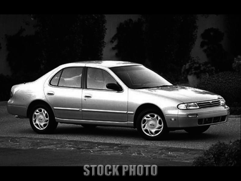 Used 1997 Nissan Altima SE