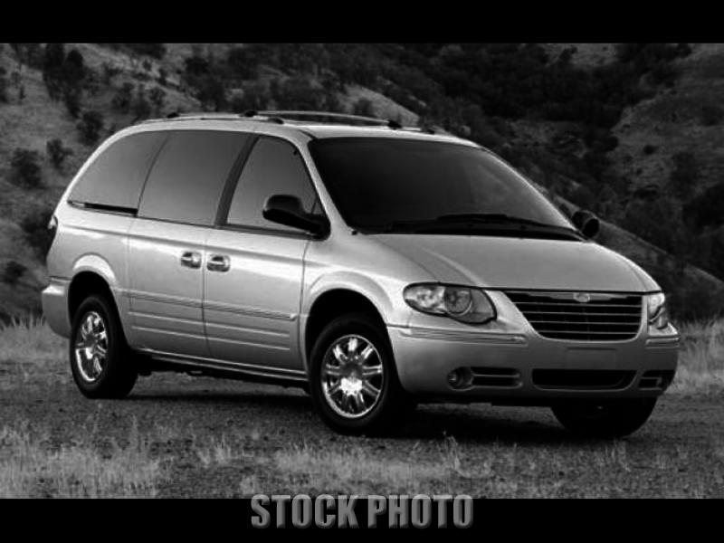 2006 CHRYSLER TOWN & COUNTRY TOURING BRAUN ENTERVAN HANDICAPPED WHEELCHAIR VAN