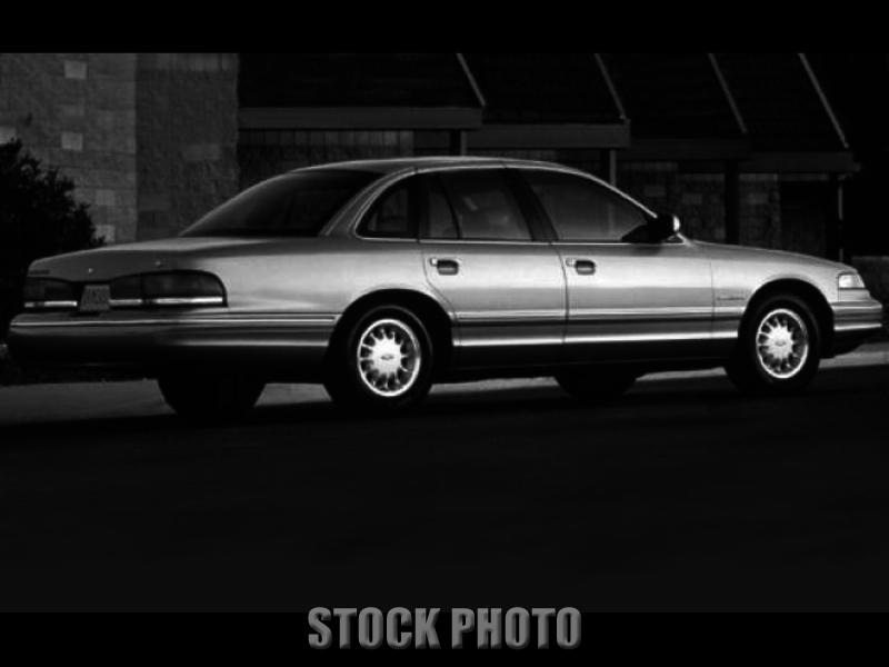Used 1996 Ford Crown Victoria LX