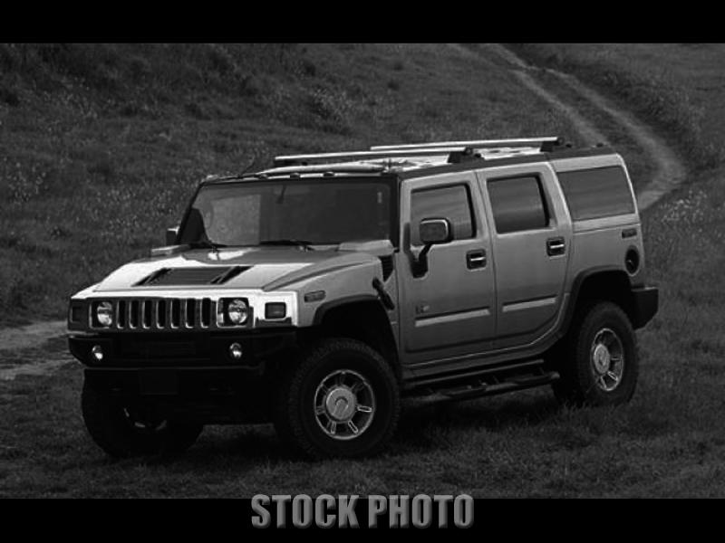 2003 HUMMER H2, 6.0L V8, 4X4 AUT TRANS, FIFTH SEAT, NO ACCIDENTS, NO RESERVE.