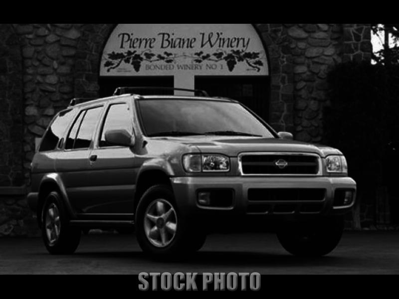 Used 2001 Nissan Pathfinder 3.5 Liter V6 4WD SE / Premium Cloth Seats