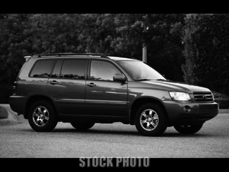Used 2004 Toyota Highlander 4dr V6 4WD w/3rd Row