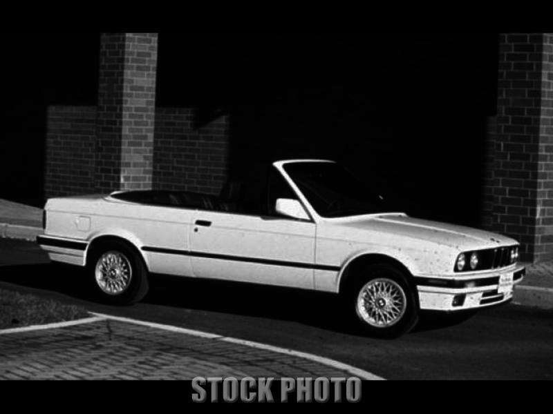 1993 BMW 325i Base Convertible 2-Door 2.5L
