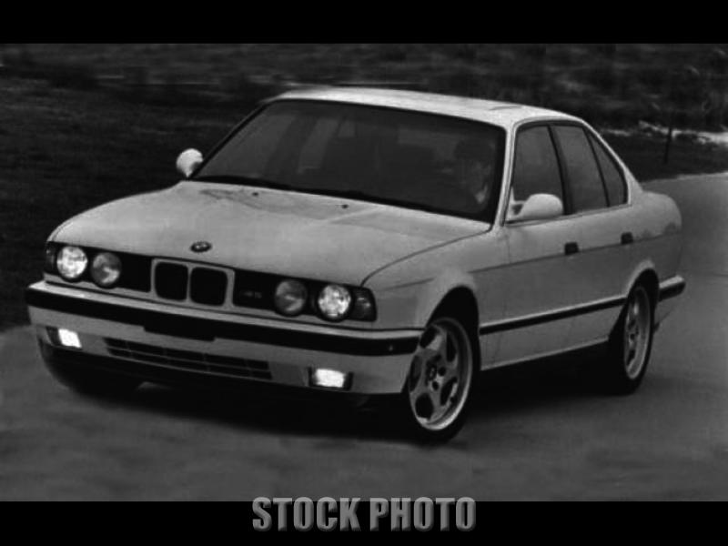 1993 BMW M5 Base Sedan 4-Door 3.6L
