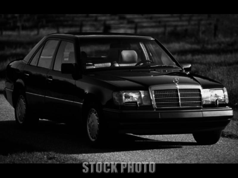 1992 Mercedes-Benz 300E Base Sedan 4-Door 3.0L with Sunroof