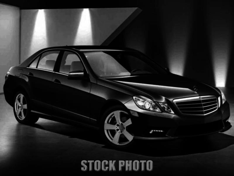 MERCEDES-BENZ E-CLASS 2010 - 6-Cylinder Gas- 3.5L DOHC 24-Valve-7-Speed Auto-2WD