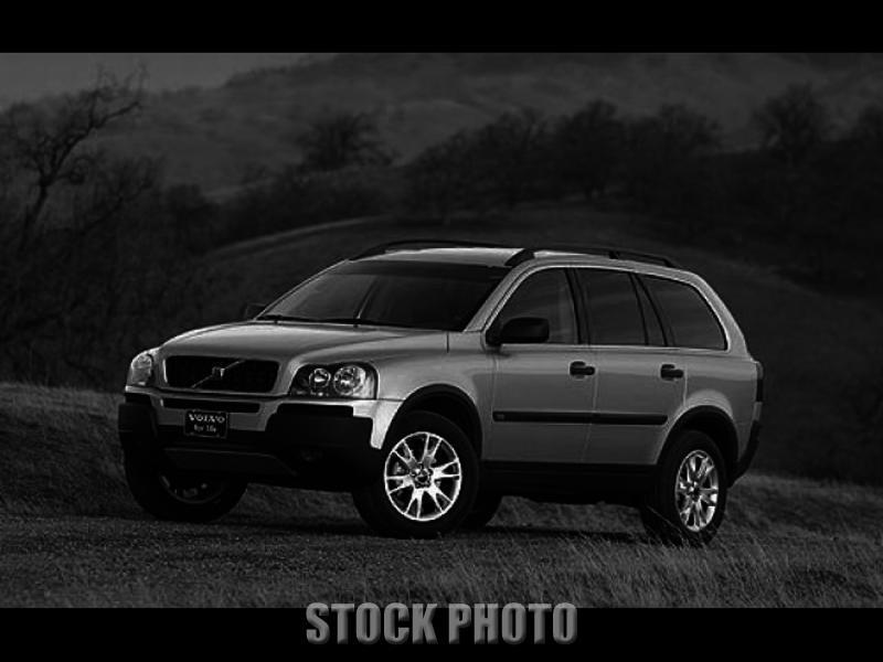 Used 2004 Volvo XC90 2.5L Turbo AWD w/Sunroof/3rd