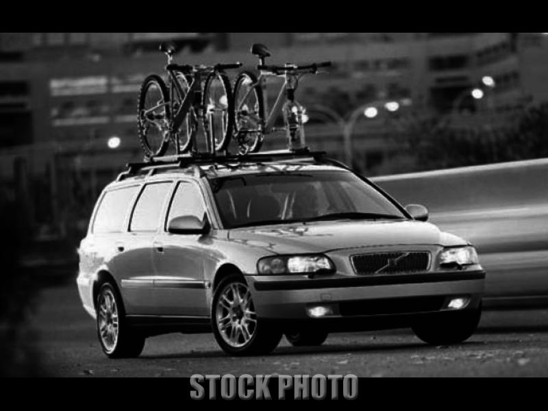 2002 Volvo V70 2.4T Wagon 4-Door 2.4L